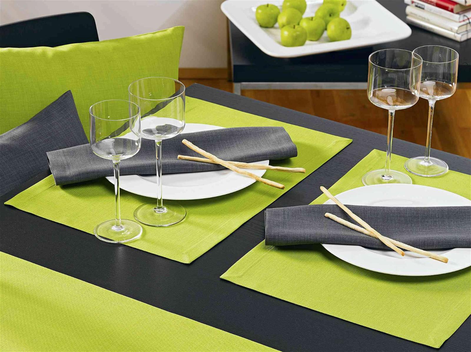 love strapazierf hige tischdecken und tischl ufer. Black Bedroom Furniture Sets. Home Design Ideas